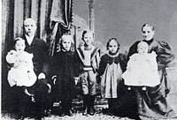Rev William Edwin Hoy family in late 1890s
